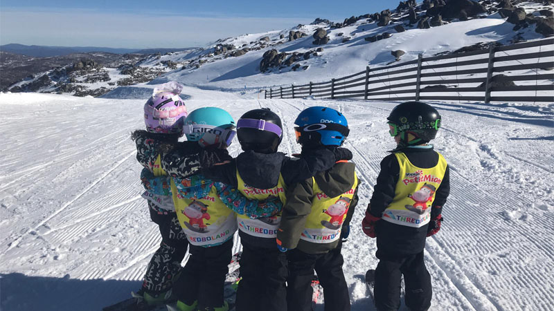 Kids skiing in Thredbo